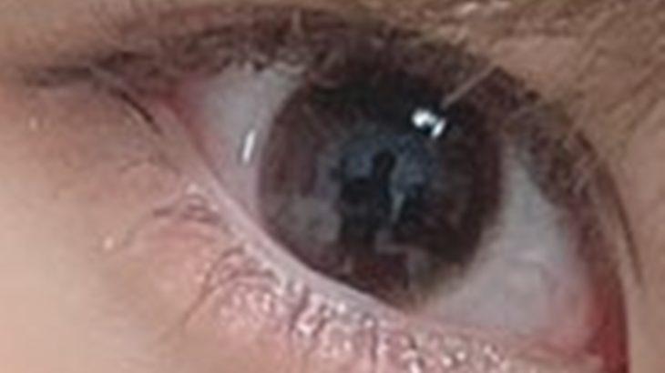 【炎上】AKBアイドル18歳、自撮り写真の眼球の中に男性の姿が映り込む→大炎上wwww